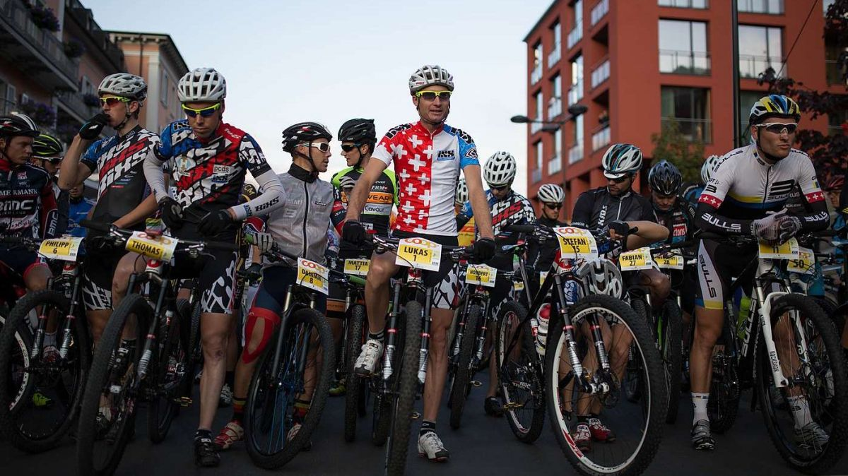 Amo nun esa cuntschaint ingio cha'l traget dal 19avel Bike-maraton manarà als partecipants chi partaran darcheu a Scuol (fotografia: Dominik Täuber).