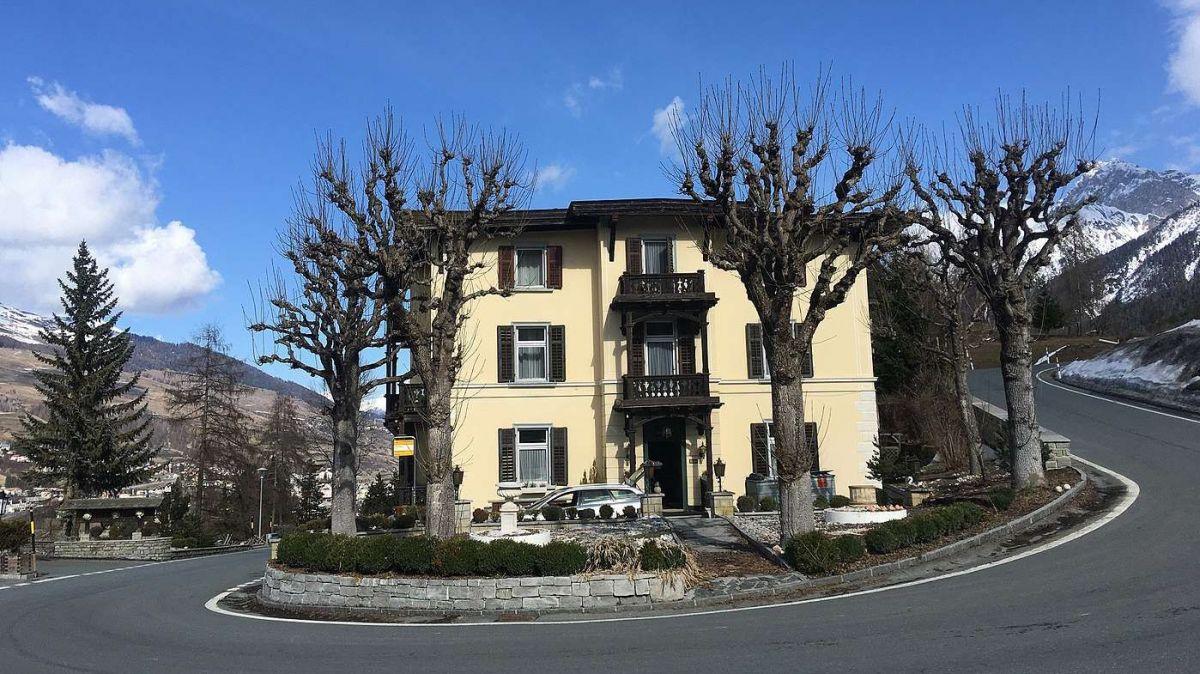 L'Hotel Villa Maria as rechatta a Chants tanter Vulpera e Tarasp (fotografia: mad).