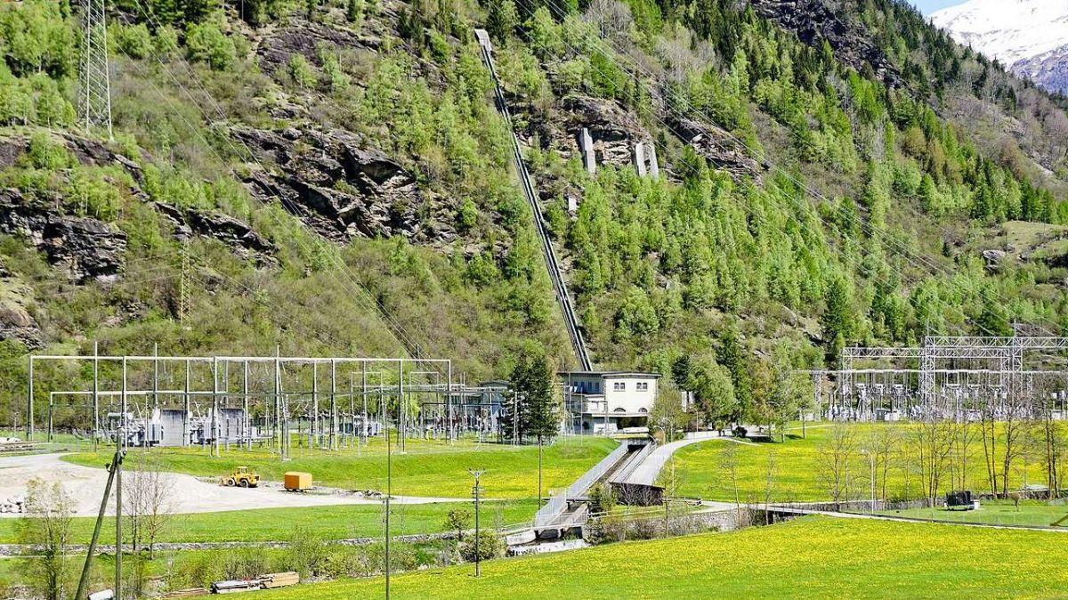 Das Kraftwerk Robbia nahm 1910 seinen Betrieb auf. Verschiedene Anlagenteile stammen gar noch aus dieser Zeit und sind, wie die Gesamtanlage, dringend erneuerungsbedürftig. Foto: Jon Duschletta