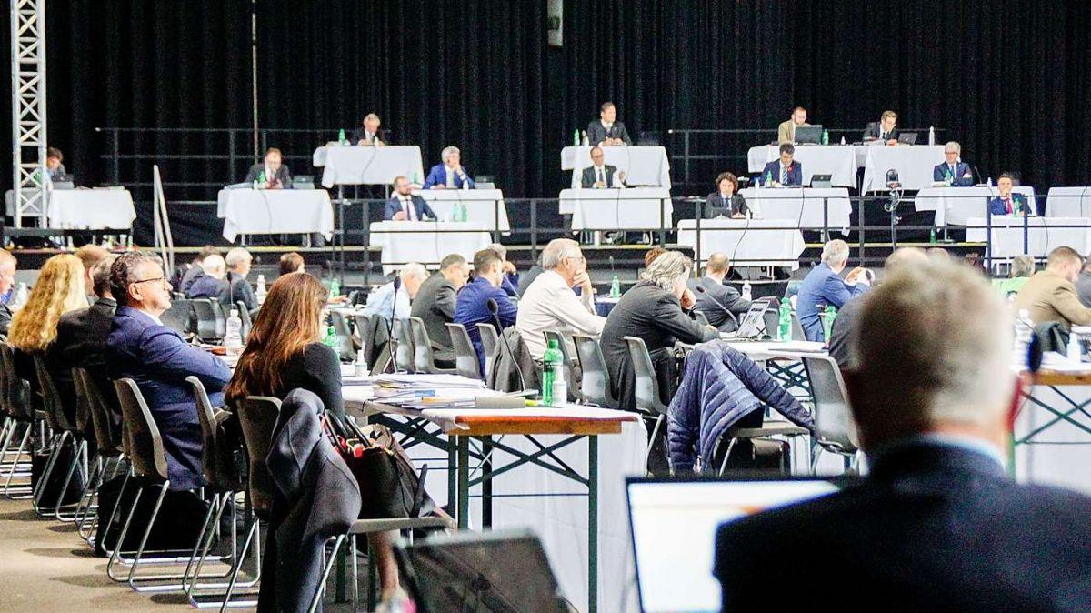 Junisession des Grossen Rates in der Churer Stadthalle. Foto: Jon Duschletta
