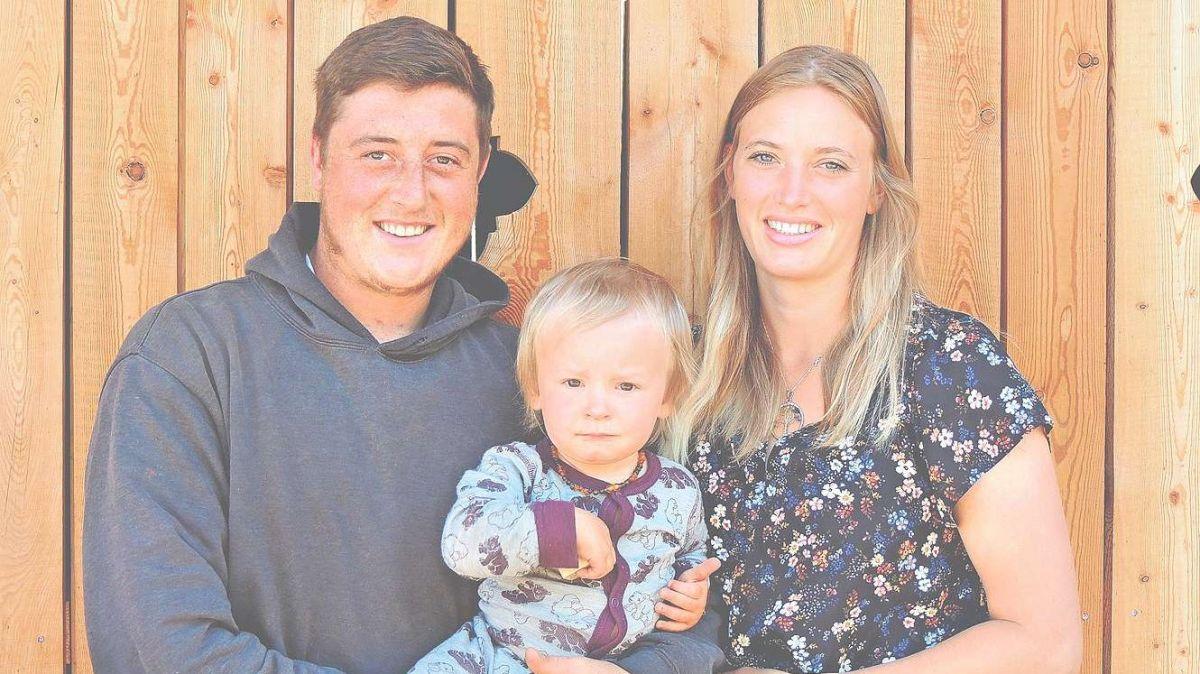 Simon Dittli e sia partenaria da vita Gianna Wohlwend han surtut la pauraria a Chaposch.