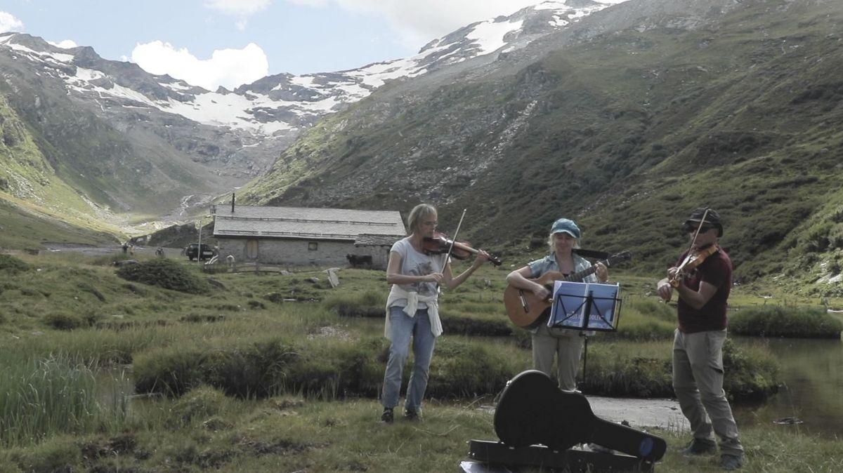 Foto und Video: Jana Leu, Joris Keller