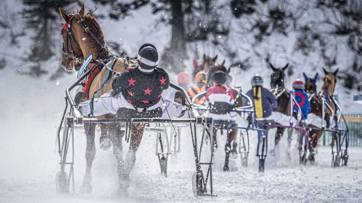 Die Pferderennen auf dem St.Moritzersee konnten im Februar mit Wetterglück und viel Aufwand stattfinden. Ob dies auch 2021 der Fall sein wird, steht wegen Corona derzeit noch völlig in den Sternen.