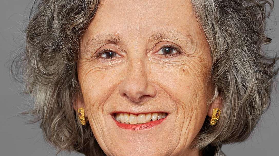 Annetta Ganzoni lavura a l'Archiv svizzer da litteratura (fotografia: mad).