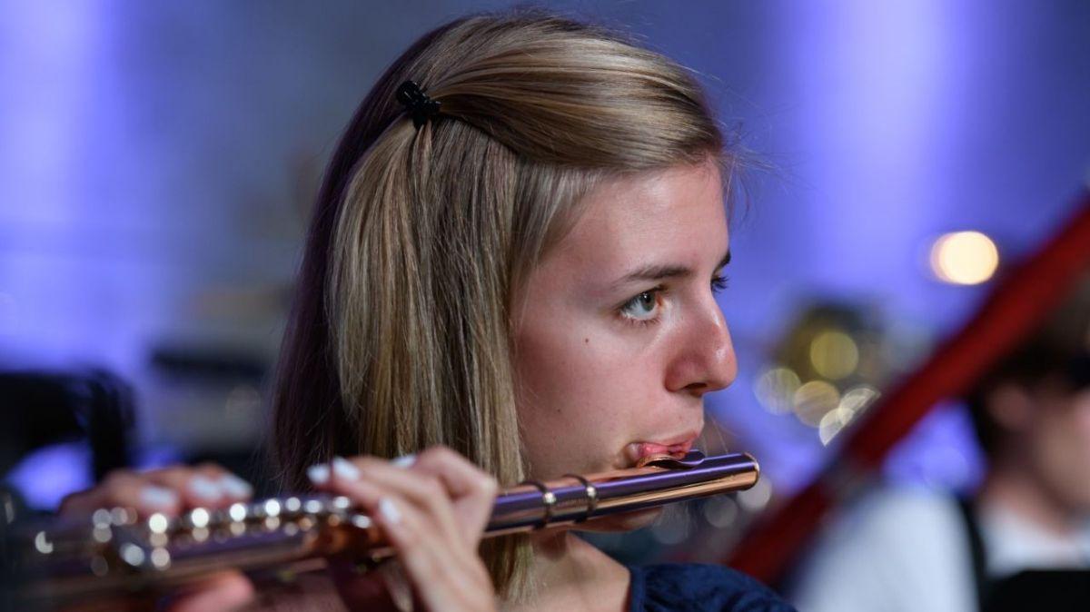 Valeria Steidle spielt Querflöte - und noch einige Musikinstrumente mehr