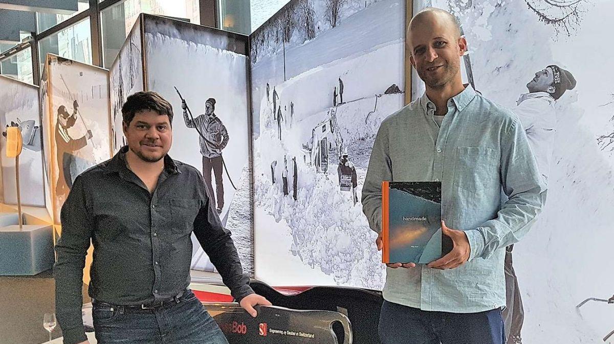 Damian Gianola (links) und Fotograf Filip Zuan. Foto: Stephan Kiener