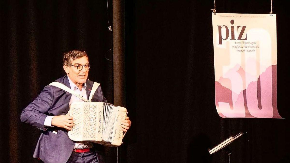 Flurin Caviezel während der Jubiläumsveranstaltung 30 Jahre Magazin piz. Foto: Jon Duschletta