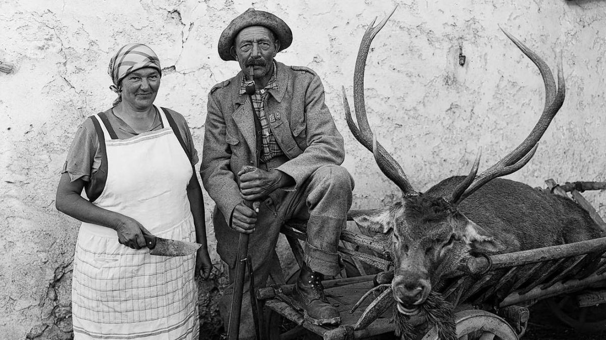 Sülla fotografia as vezza als conjugals Pua cul butin da bellezza (fotografia: Foto Feuerstein).