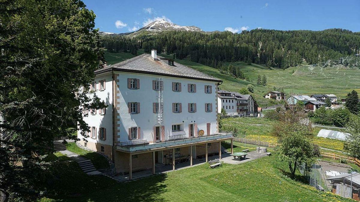 Il cumün da Wettingen voul fittar o vender la chasa da vacanzas a Ftan (fotografia: mad).