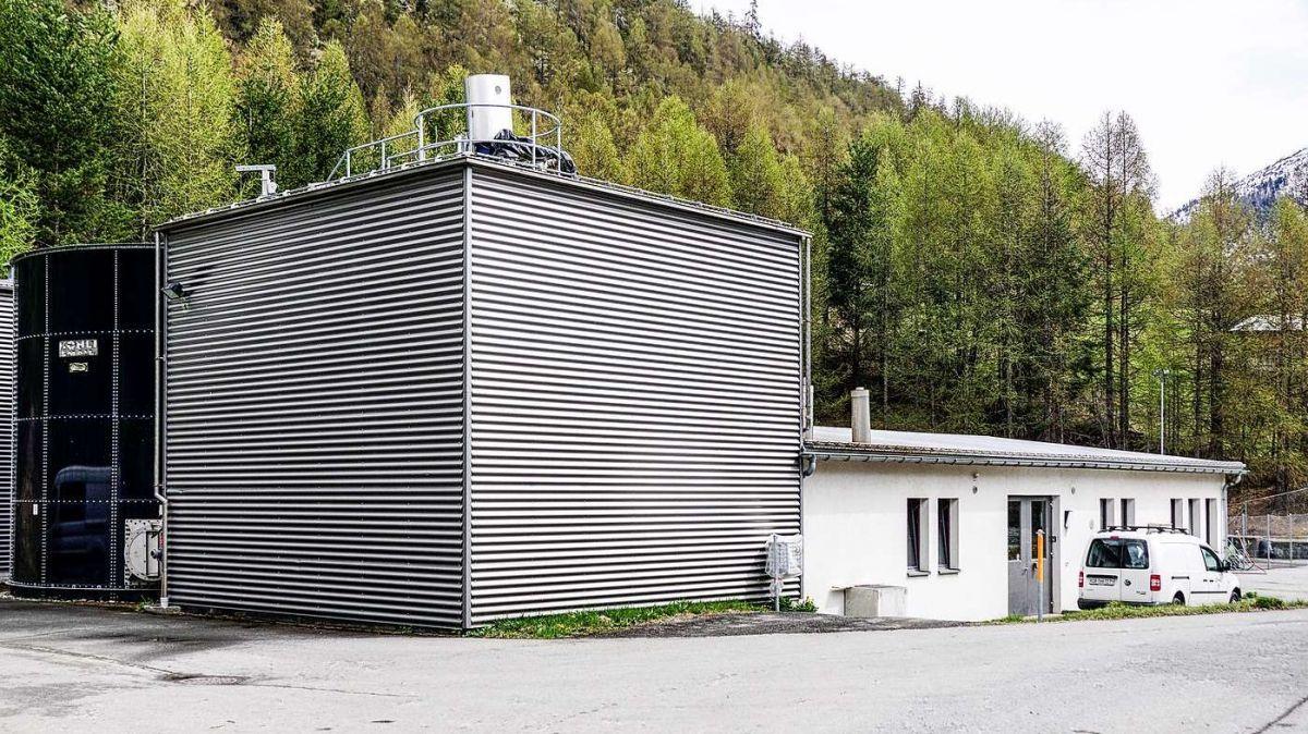 L'oriunda sarinera da Zernez es gnüda fabrichada dal 1970. Dal 2001 es ella gnüda sanada e schlargiada l'ultima jada (fotografia: Jon Duschletta)).