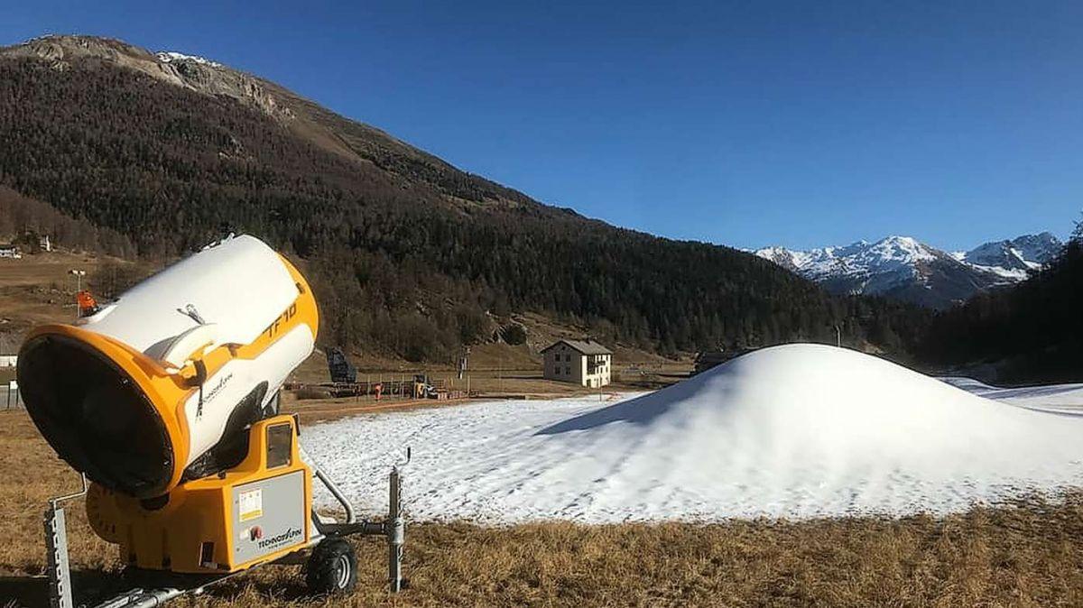 Ils preparativs per il Tour de ski 2021 a Tschierv han cumanzà (fotografia: Roman Dobler/RTR).