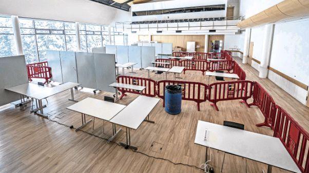 In Pontresina wird vom 11. bis 13. Dezember im Gemeindezentrum Rondo getestet. Vier Teststrassen sind in Betrieb.  Foto: Daniel Zaugg
