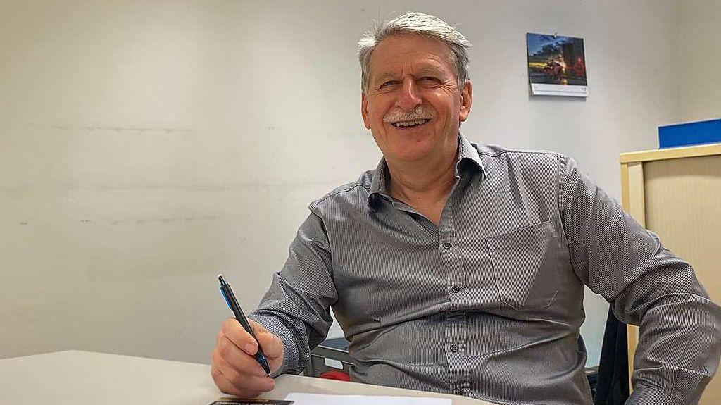 Nach 24 Jahren als Bündner Feuerwehrinspektor geht Hansueli Roth am 31. Dezember in Pension und wird Gemeindepräsident von Klosters (Foto: Nicolo Bass).