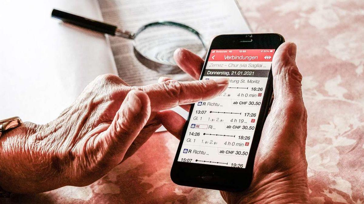 Digitale Welten ermöglichen immer neue Anwendungen. Die sind aber oft so komplex, dass vorab ältere Menschen den Anschluss verpassen oder erst gar nicht davon Gebrauch machen, ob gewollt oder nicht. Foto: Jon Duschletta