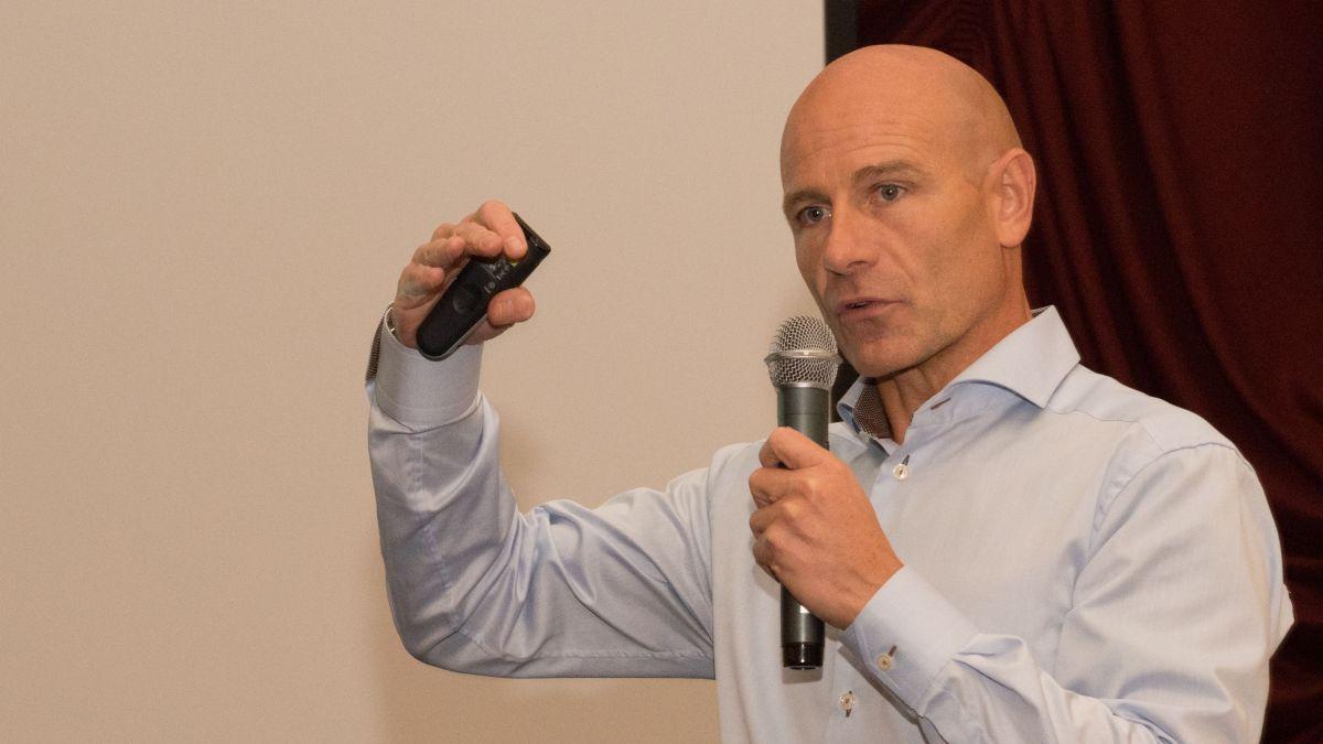 Prof. Dr. Jürg Stettler lobt das Vorgehen der Gemeinde. Foto: Reto Stifel