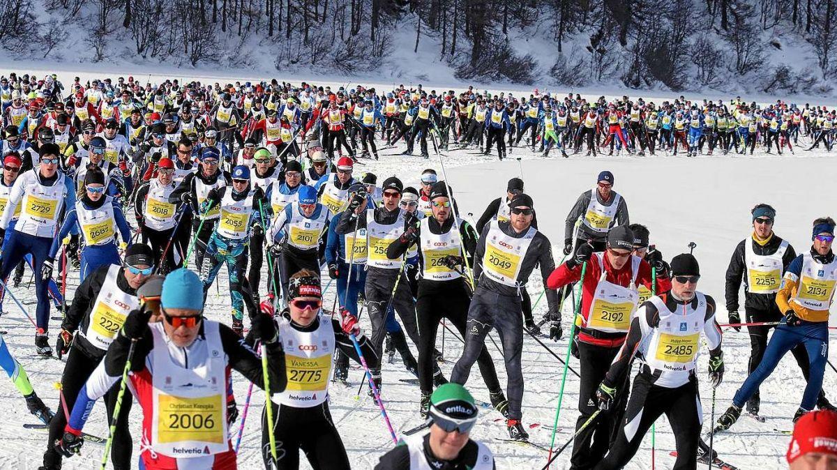 Per la pü bgera tschaira süllas loipas da passlung süls lejs d'Engiadin'Ota procura il Maraton Engiadinais, cò dal 2019 in culuonna sül Lej da Segl (fotografia: Andy Mettler/Swiss-image.ch).