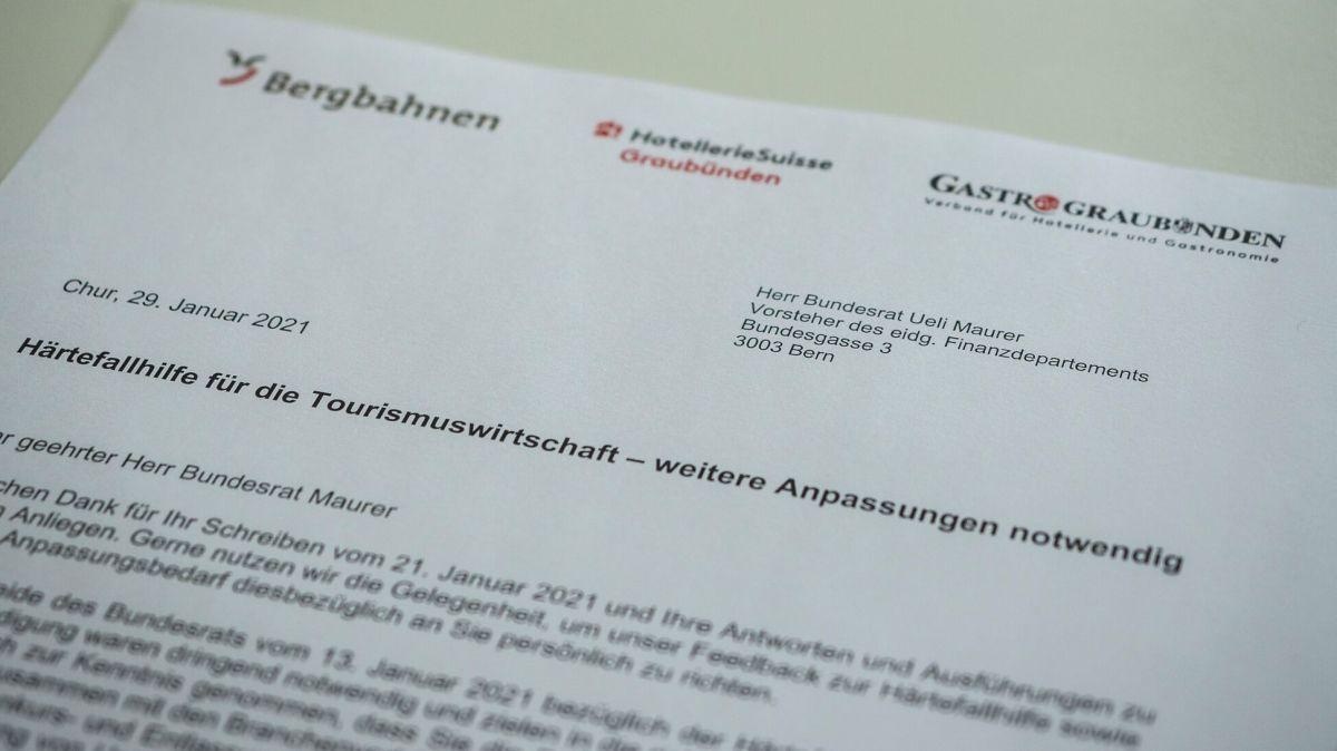 Mit einem an Bundesrat Ueli Maurer gerichteten Schreiben verlangen drei Bündner Verbände eine Anpassung der Härtefallhilfen. Foto: Daniel Zaugg