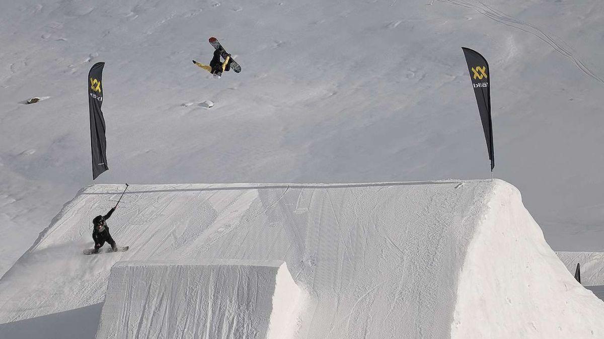 2025 werden unter anderem die weltbesten Freeskier am Corvatsch gekürt. Foto: Fabian Gattlen