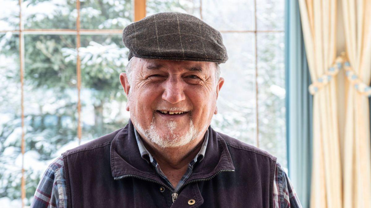 Das Hotel Waldhaus in Sils wird heute in fünfter Generation geführt – doch auch der Senior-Chef Felix Dietrich wirkt noch aktiv im Traditionshaus mit. Besonders die Gästebeziehungen liegen ihm am Herzen. Foto: Denise Kley