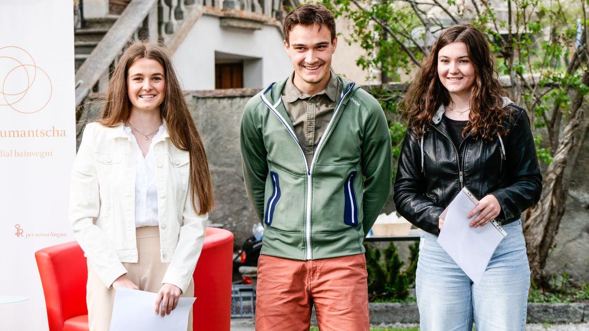 Ils vendschaders da Pledpierla 2021 – categoria 17 - 25 ons: Milena Gottschalk, Janic Maskos, Sara Kuntner (fotografia: Jon Duschletta).