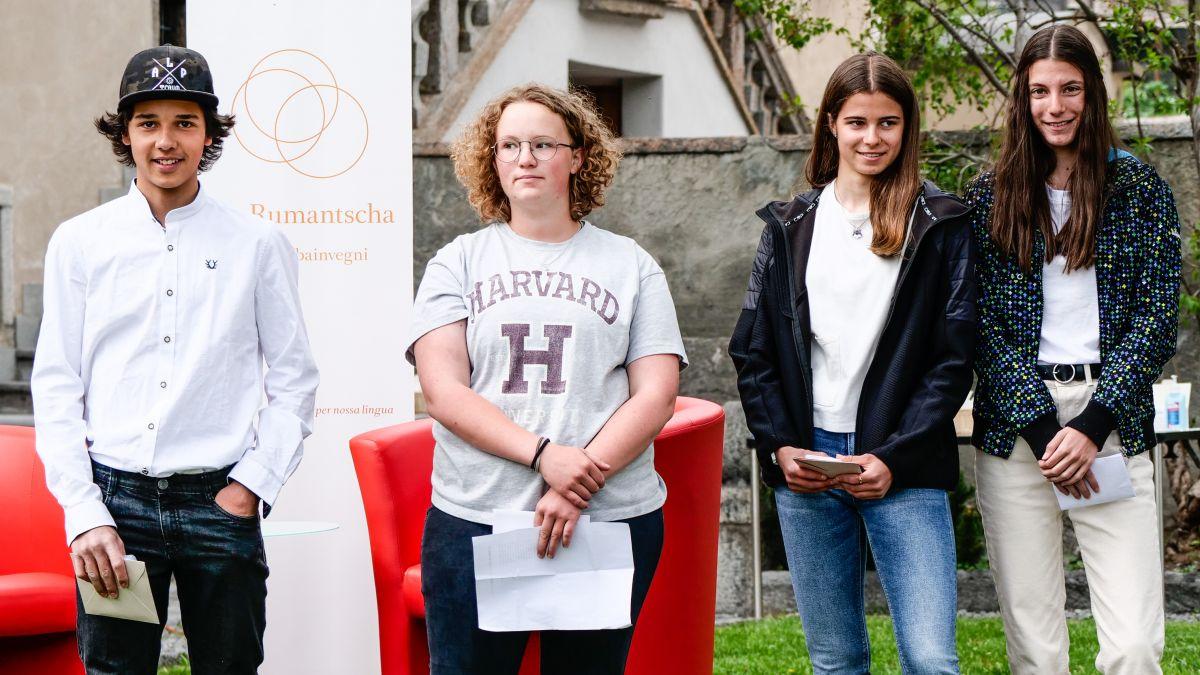 Ils vendschaders da Pledpierla 2021 – categoria 7. - 9. classa: Jon Andri Guler, Eliana Concetta Josty, Lucia Zanetti, Mara Kern (fotografia: Jon Duschletta)