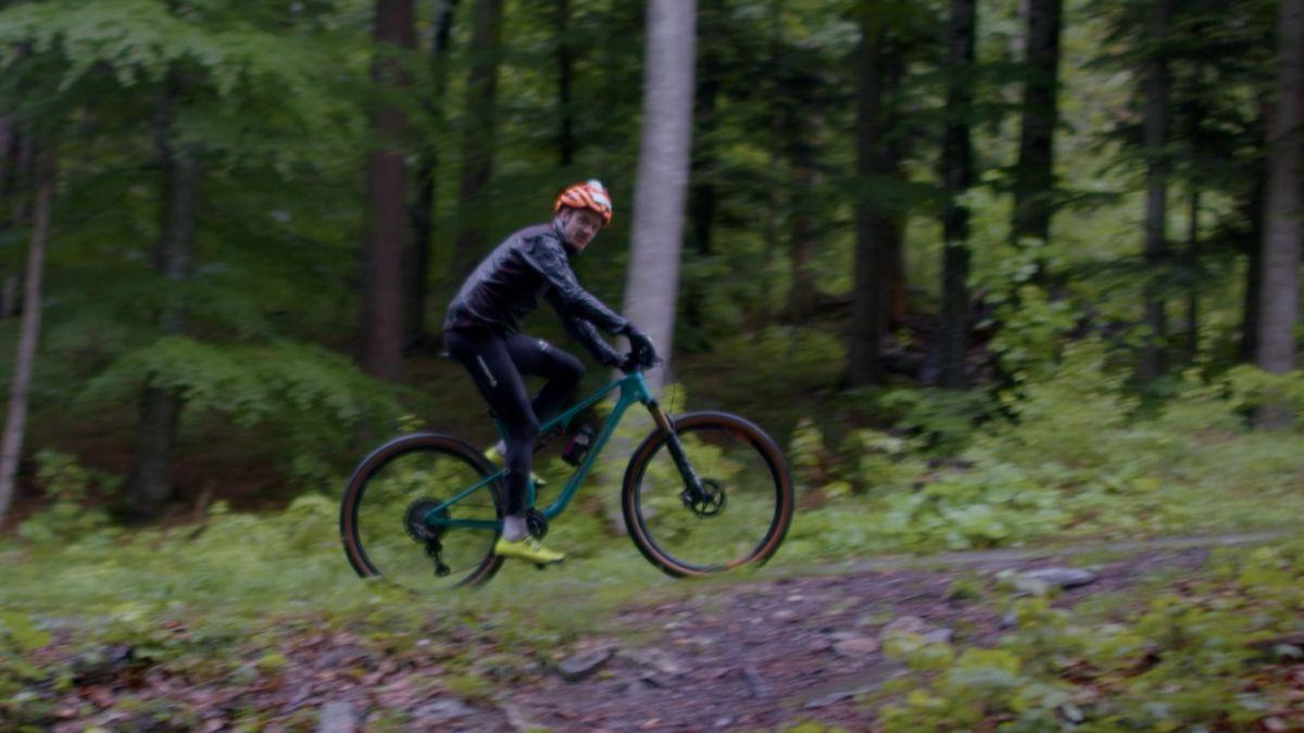 Der 23-jährige ist in zehn Stunden 16 Mal von Chur auf den Mittenberg gefahren. Foto: Z. Vfg.