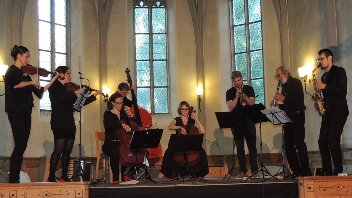 Al Festival cun sal e paiver s'han preschantats ils Fränzlis cun giasts (fotografia: Benedict Stecher).