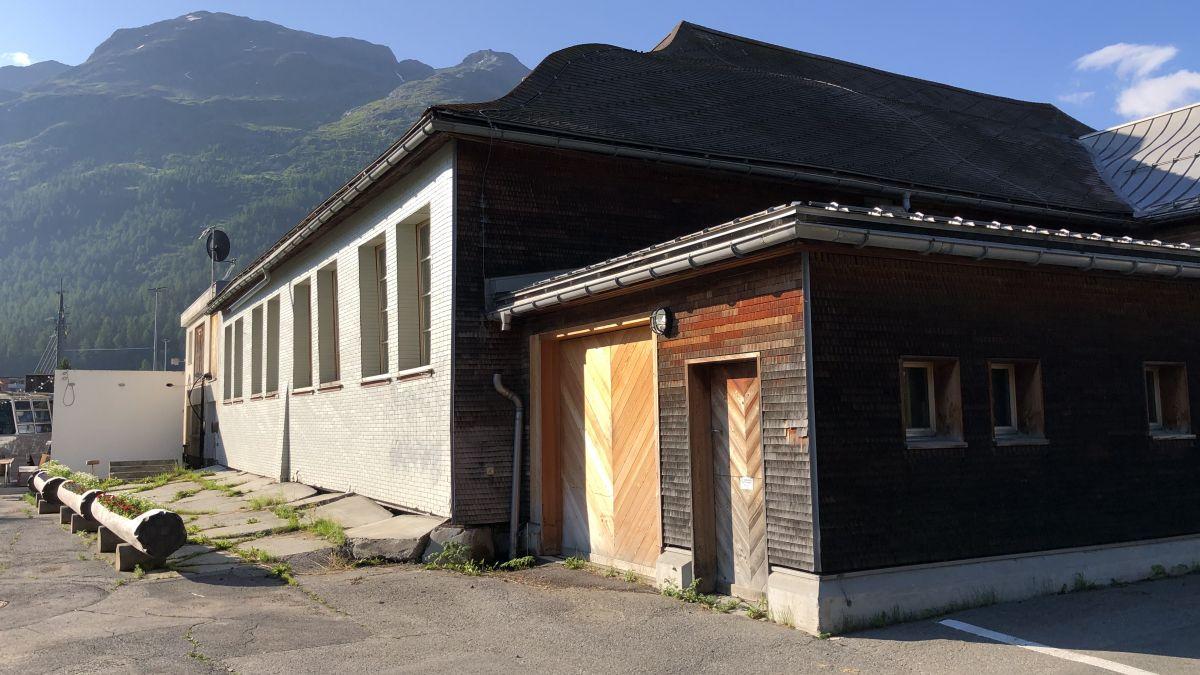 Die St. Moritzer Reithalle soll künftig als polyvalentes Begegnungszentrum genutzt werden für Anlässe aller Art. Mit dem Ja des Gemeinderats zum Planungskredit über 1,5 Millionen Franken, kann jetzt ein Vorprojekt erarbeitet werden.