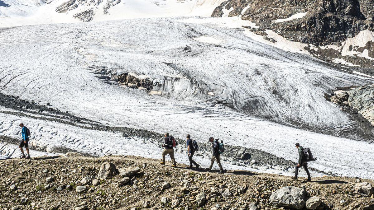 Das Wandern auf dem Moränengrat ist ein spezielles Erlebnis. Foto: Valentina Baumann