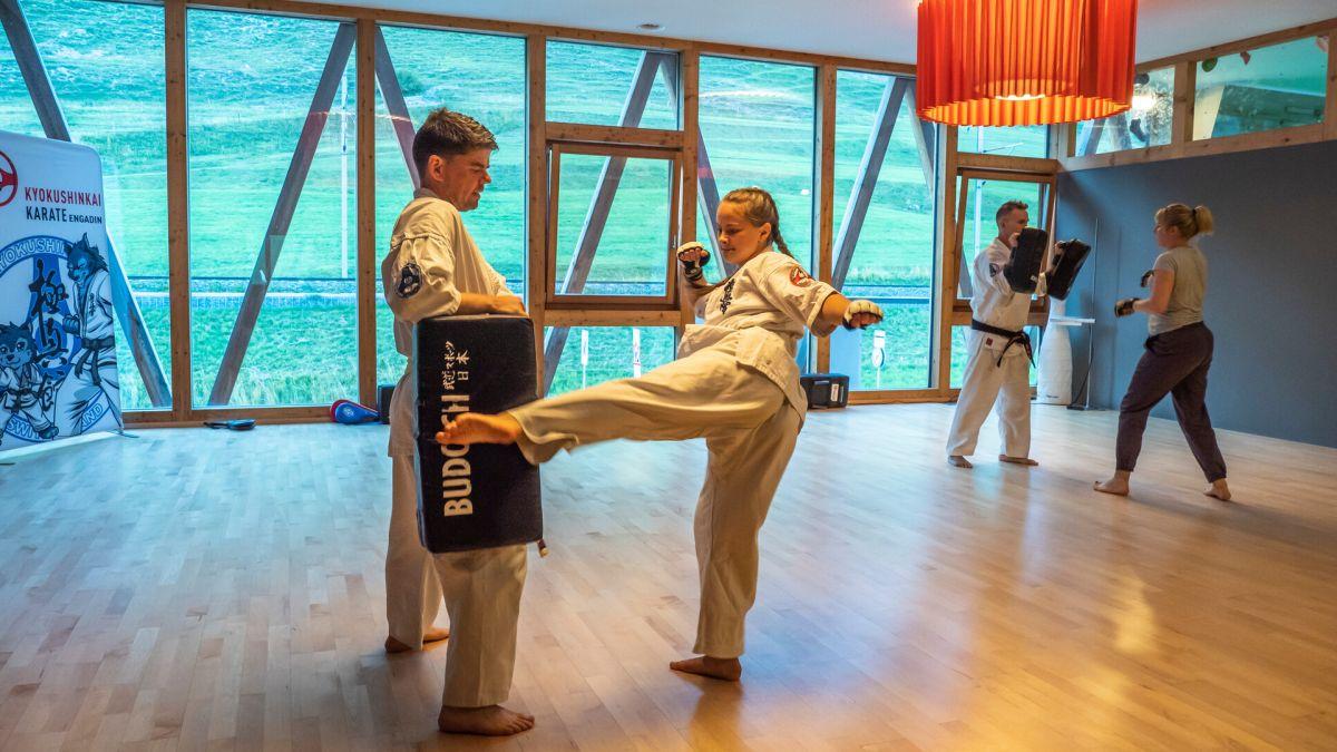Die Erwachsenen trainieren gezielt Kondition, Schlagtechniken und Kraft. Dieses Training erfordert Disziplin.  Foto: Valentina Baumann