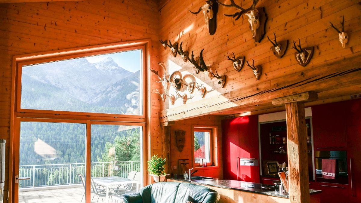Innenansicht des Holz100-Hauses in Brail. Fotos: Jon Duschletta