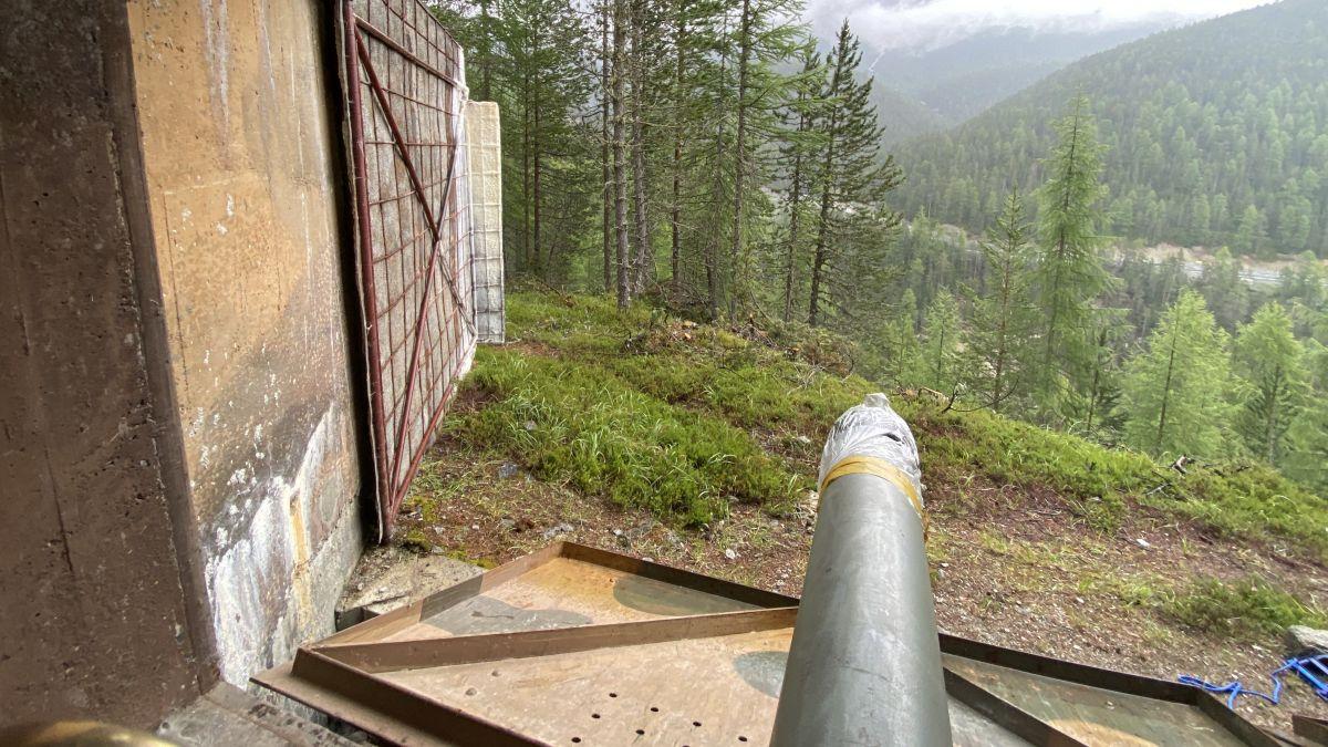 Die Waffen der Festung sind auf die Panzersperre an der Ofenpassstrasse gerichtet. Foto: z. Vfg.