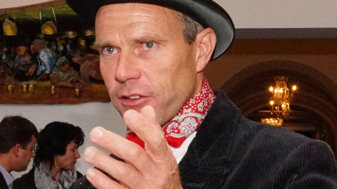 Simon Salzgeber aus S-chanf amtete als Präsident des OK's welches die GV von Pro Holz Schweiz ins Engadin holte. Foto: Jon Duschletta