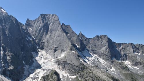 Der Piz Badile zieht viele Alpinisten an. Am 31. Juli stürzten zwei Berggänger ab. Foto: Kapo GRzten