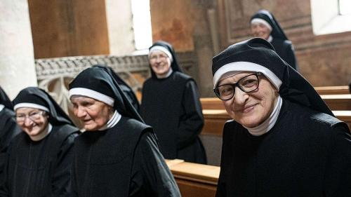 Priorin Aloisia: «Wichtig ist, dass wir hier im Kloster eine wahre, gute Gemeinschaft leben können, alles andere kommt von selbst.» Foto: Mayk Wendt