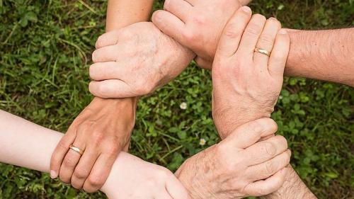 Ün simbol per la solidarited traunter las generaziuns (fotografia: www.pexels.com).
