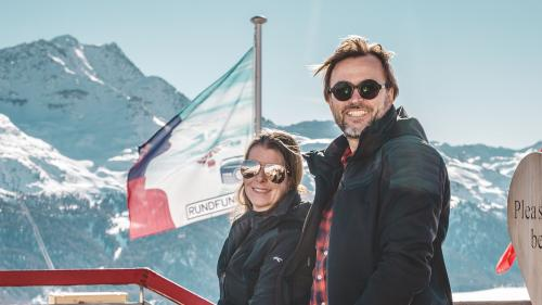Hans Jörg und Anja Zingg auf der Terrasse des El Paradiso. Foto: Benjamin Brockhoven
