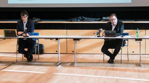Die Bündner Regierungsräte Marcus Caduff (links) und Peter Peyer sind vom Bundesrat enttäuscht. Foto: Jon Duschletta