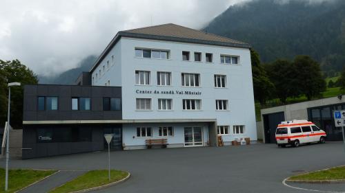 Il Center da sandà Val Müstair spordscha la pussibiltà d'imprender differents mansters (fotografia: Flurin Andry).