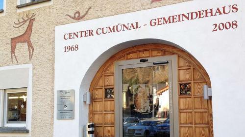 Il cumün da Zernez invida a seis suveran ad üna votaziun a l'urna (fotografia: Annatina Filli).