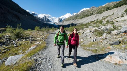Auch in der Zwischensaison lässt sich im Oberengadin gut wandern, beispielsweise im Val Morteratsch.  Foto: Romano Salis/Pontresina Tourismus