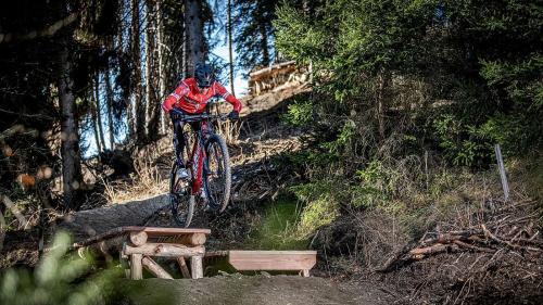 La Regiun Engiadina Bassa Val Müstair voul dvantar plü attractiva per ciclists da muntogna (fotografia: Dani Amann).