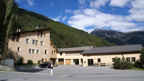 La sala cumünala a Müstair as rechatta i'l edifizi da la Banca Chantunala Grischuna, illa part suotvart da l'inter edifizi (fotografia: mad).