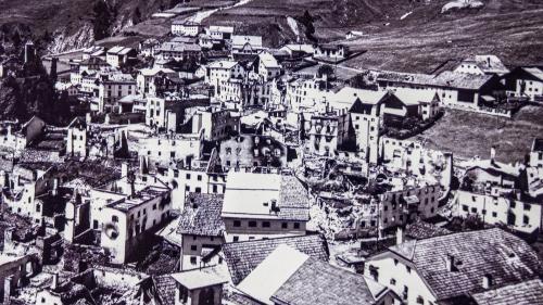 ent davo il grond fö dals 8 gün 1921 (fotografia: mad).