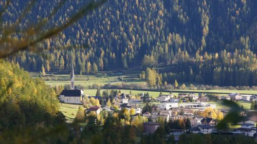 Il cumün da Zernez preschainta ün rendaquint egualisà (fotografia: Jon Duschletta).