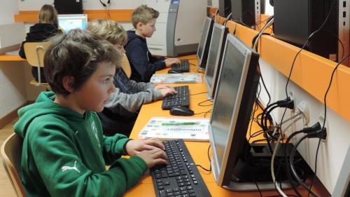 Das Digitalisierungskonzept «Mia Scuola» hat sich zu Pandemiezeiten bewährt – Lehrpersonen und Schulleiter zeigen sich zufrieden.Foto: Schule Samedan