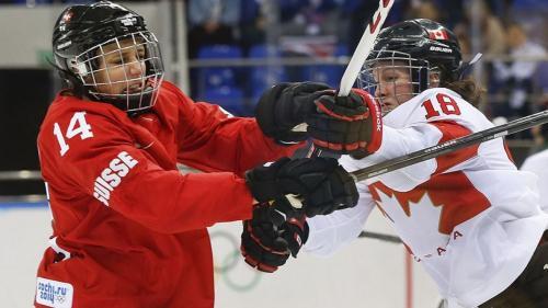 Die Puschlaverin Evelina Raselli (links) gehört zu den erfolgreichsten Schweizer Eishockey-Spielerinnen. Foto: Archiv