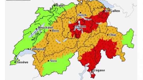 Die Übersichtskarte enthält eine Zusammenfassung aller Unwettergefahren bzw. aller Unwetterwarnungen sowie nützliche Wetterhinweise für die Schweiz. Screenshot: www.alarm.meteocentrale.ch
