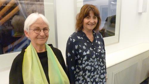 Elisabeth Bardill (links) und Anna Giacometti im Silser Hotel Waldhaus.         Foto: Ursa Rauschenbach-Dallmaier