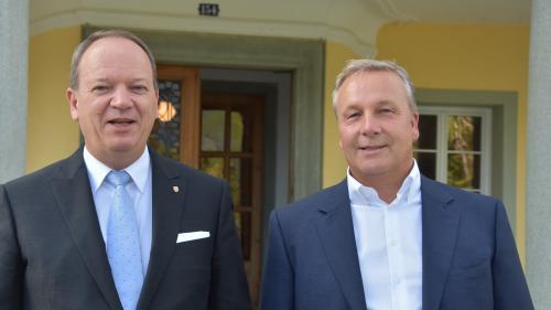 Ils duos commembers dal cussagl administrativ sun optimistics: Christian Gürtler (a schnestra) e Jon Peer (fotografia: Nicolo Bass).